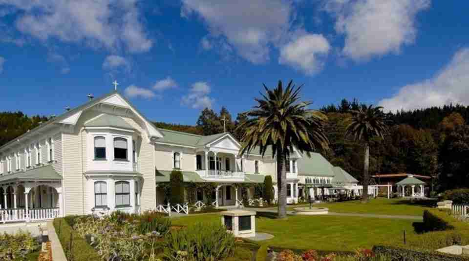 hawkes bay mission estate